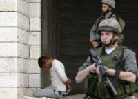 IOF soldiers detain civilians including five boys, wound a child