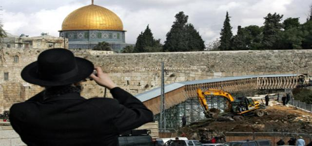Sabri holds UNESCO responsible for Judaization of Aqsa Mosque