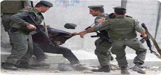 IOF troops kidnap 103 Palestinians last March only in Al-Khalil