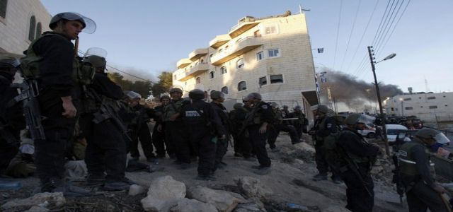Jewish settlers attack Jerusalemite family with firearms, metal tools