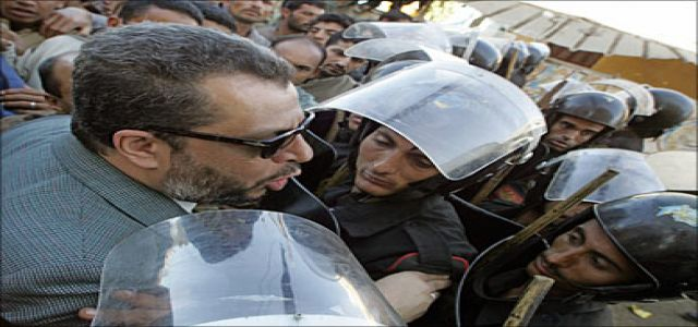 Opposition arrested during campaigns defying Mubarak's pledges