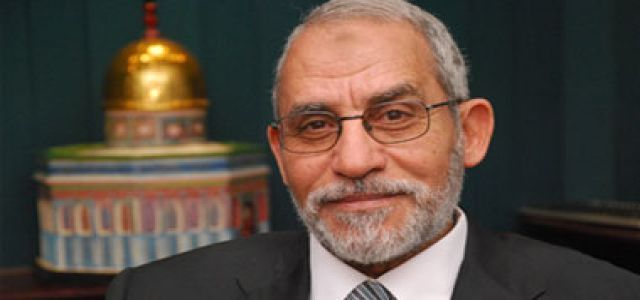 Badie and MB delegation visit and congratulate new Wafd Party leader