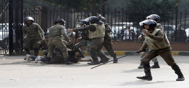 Rights Group: SCAF, Government and Protesters are Responsible for Violence
