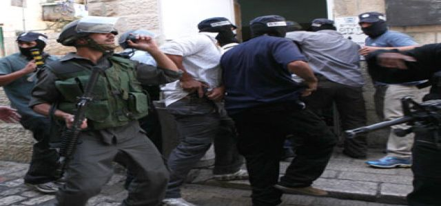 10 hurt in Silwan clashes, IOF soldiers round up 33 Palestinians