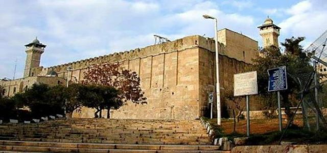 Rage in al-Khalil in defence of  Ibrahimi mosque
