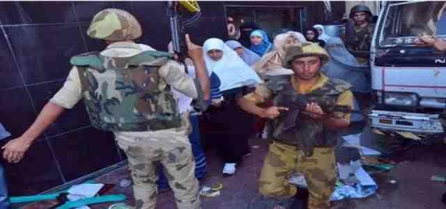 Police Repression, Brutal Manhandling of Female Azhar University Students Raise Sharp Criticism