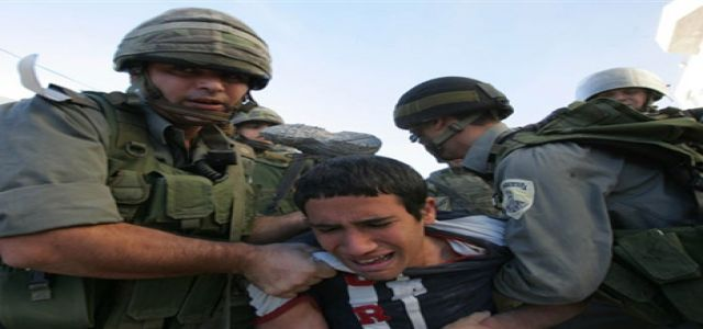 IOF raid wounds 5 Palestinians, soldiers round up 3 Gazans