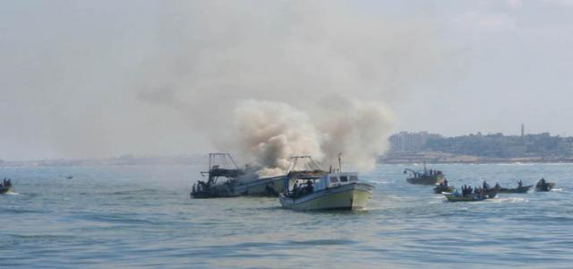Israeli navy fire damages dozens of Palestinian fishing boats